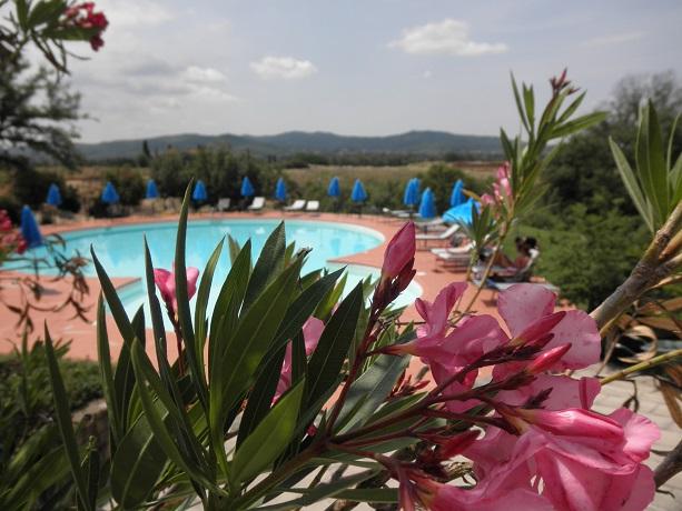 Resort con Piscina, Ristorante e Benessere