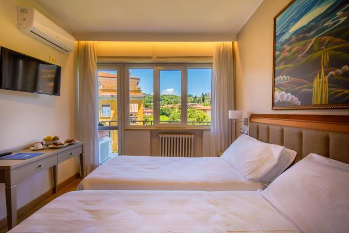 Camera doppia con Terrazzo Vista sul Lago