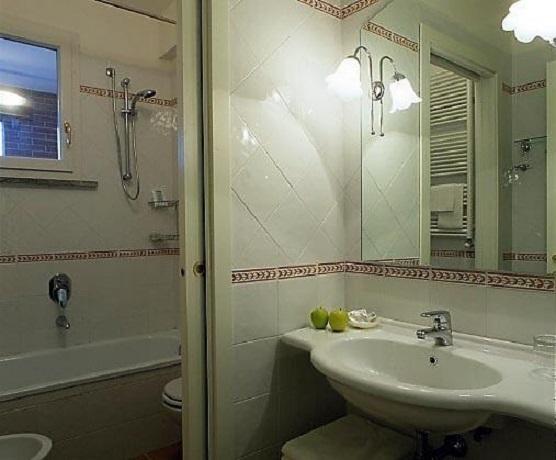 Camere bagno privato Spa Piscina Coperta resort grosseto