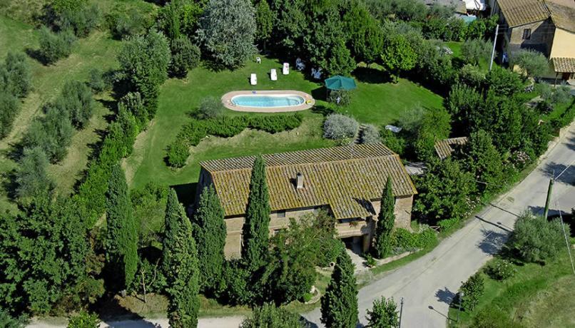 Casolare con piscina a Castiglione del Lago