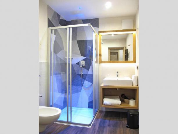 Appartamenti con box doccia, Villa Alpina a S.Vigilio
