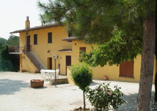 Affittacamere Deruta, facciata esterna