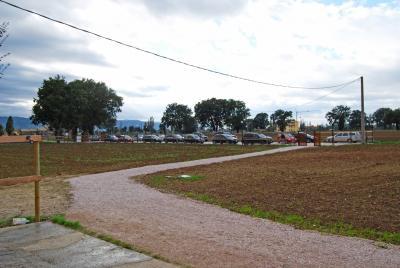 ampio parcheggio esterno con accesso alla scuderia