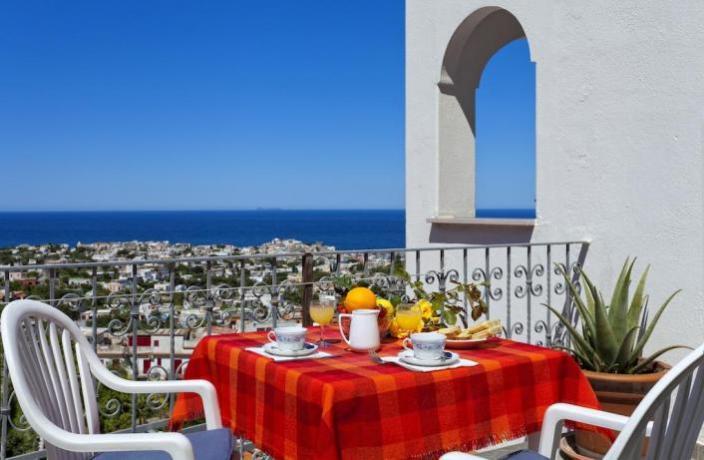 Terrazzo ristorante Hotel Napoli con vista panoramica
