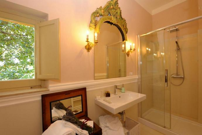 Bagno lusso suite a Perugia in antica residenza