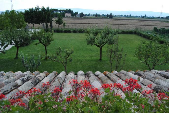 Appartamenti con camino e bellissimo giardino