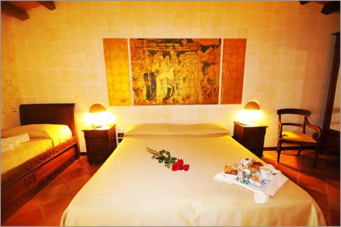 """Hotel Sicilia, Tripla 401 """"STANZA DELL'INCORONAZIONE"""""""