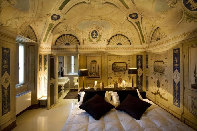 Suite gigante con soffitto affrescato a Montefalco