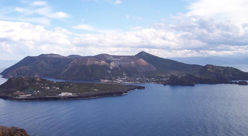 Resort vista Isole Eolie con Ristorante
