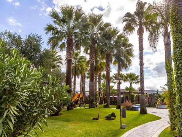 Albergo 4stelle con parco giochi bambini Battipaglia-Salerno