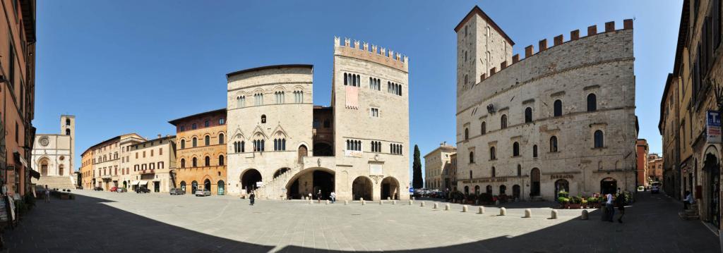 Piazza del Popolo a Todi