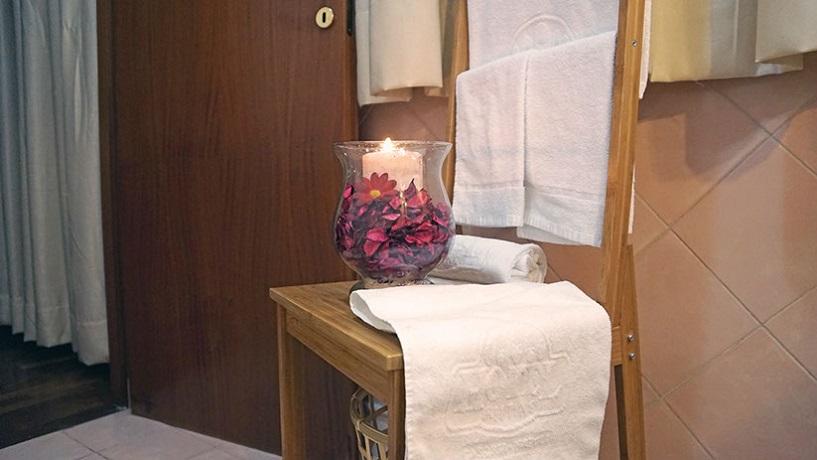 Camere e suite con idromassaggio e sauna