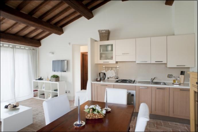 Casale di lusso Umbria salone piano cottura