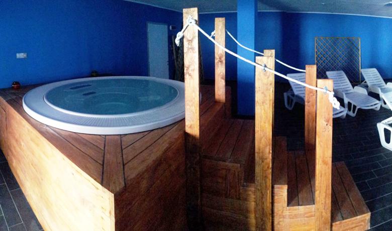 Vasca Idromassaggio in Hotel Benessere a Loano