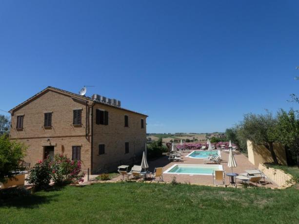 Appartamenti vacanze a Macerta con 2 piscina solarium