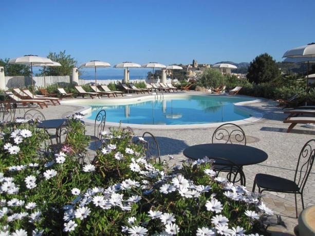 Hotel a Lipari con Piscina Esterna