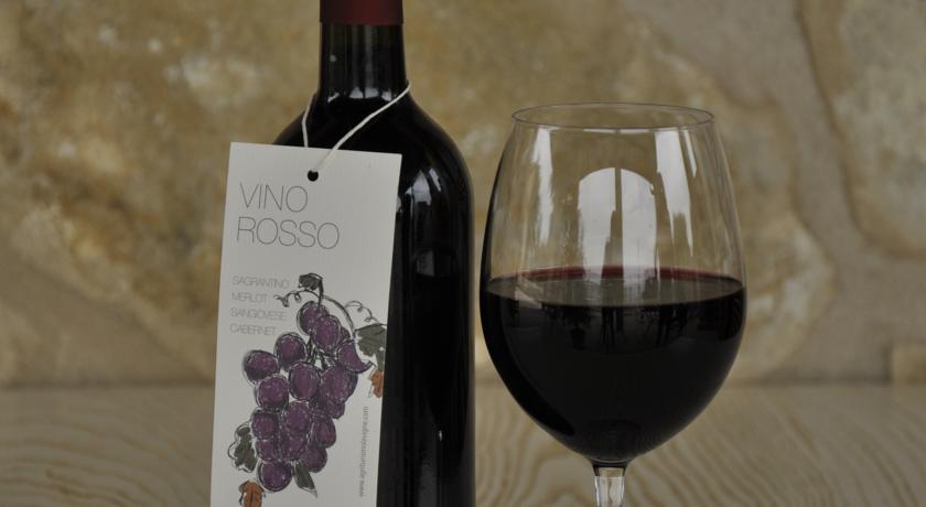 Degustazioni di vino rosso agriturismo in Umbria