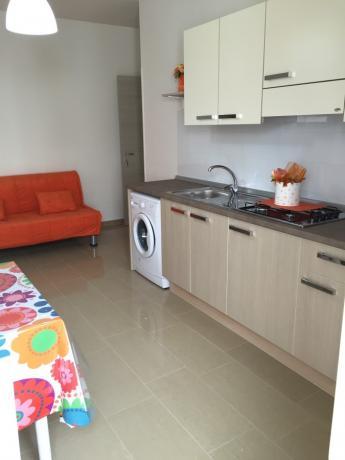 Appartamenti con cucina attrezzata e lavatrice