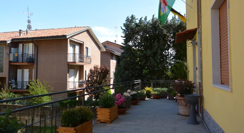 Camere private e in comune prezzi bassi Pavia