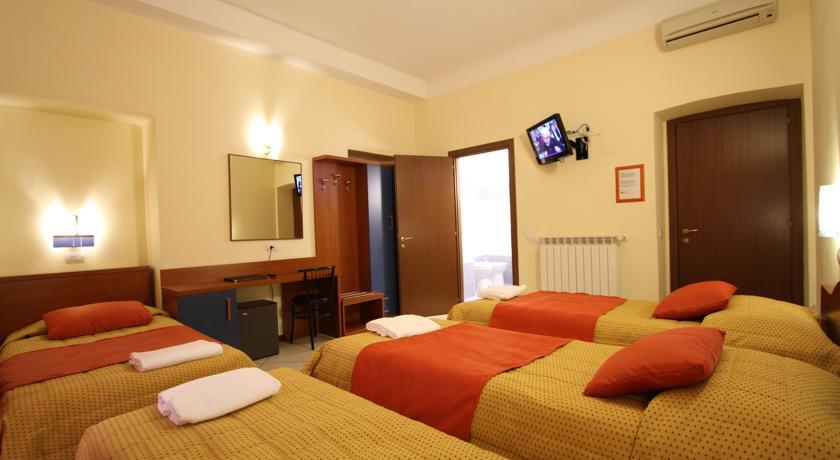 Camera quadrupla Hotel L'Artistico a Milano