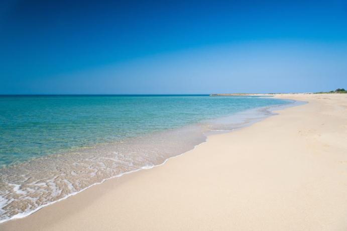 Spiaggia Privata di Sabbia in Villaggio Salento