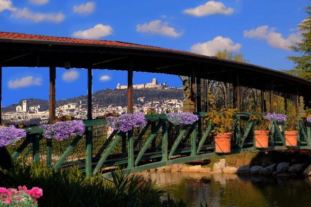 Laghetto dell'hotel a Spello con piscine termali
