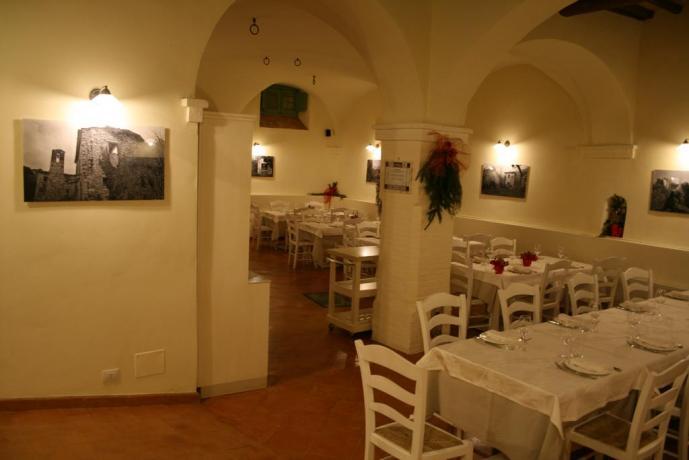 A Valtopina Resort con sala ristorante