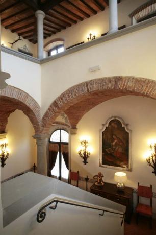 Casale vacanze ristrutturato scala interna Arezzo