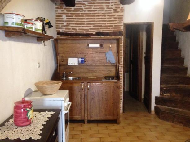 Appartamenti in stile rustico a Fontecchio
