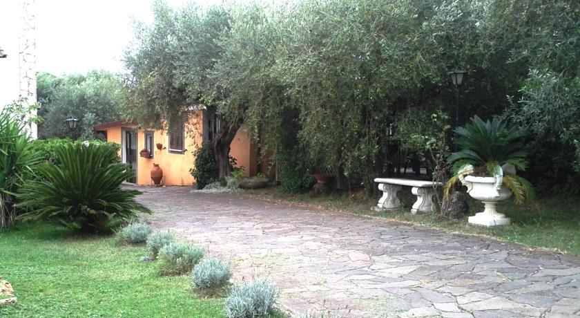 ingresso della villa vacanze a frascati