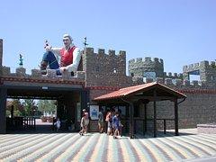 Stay near the Amusementpark Gulliverlandia in Italy