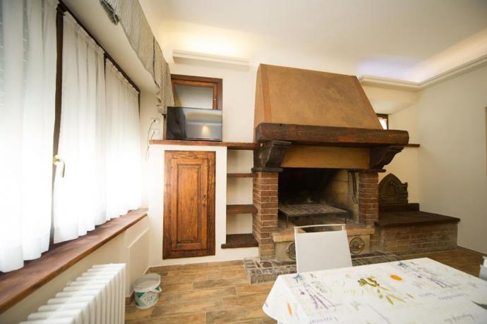 Appartamento-vacanze trilocale con camino in soggiorno Bardonecchia