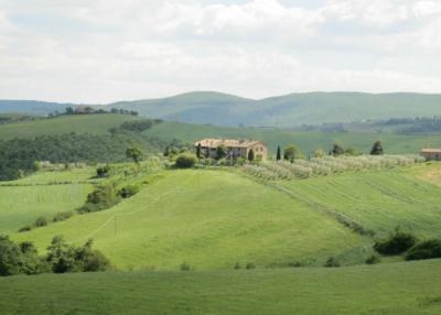 casale con 2 appartamenti nella campagna di Orvieto