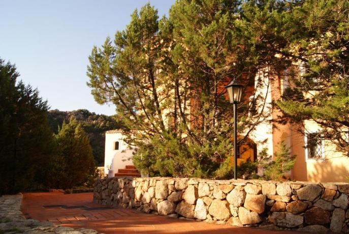 Residence con appartamenti e giardino ad Arzachena