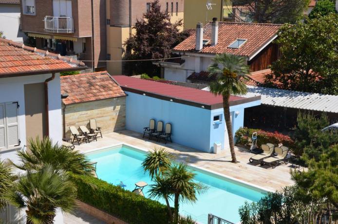 Hotel 300 metri dal mare con piscina Senigallia