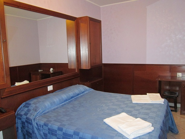 Camera matrimoniale a Frascati