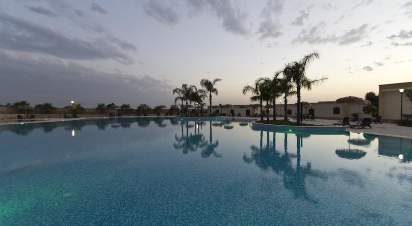 Ampia piscina in masseria vicino Lecce