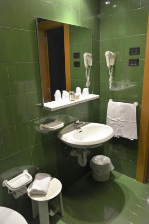Bagno Privato in hotel4stelle a Lecce-ideale-per Coppie