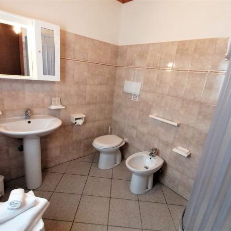 Bagno privato con box doccia agriturismo a Manciano
