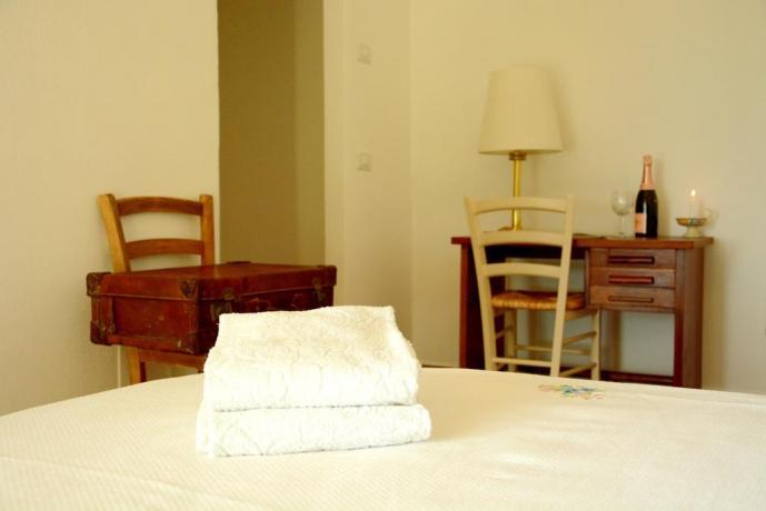 Camera Sempreverde con set asciugamani B&B romano