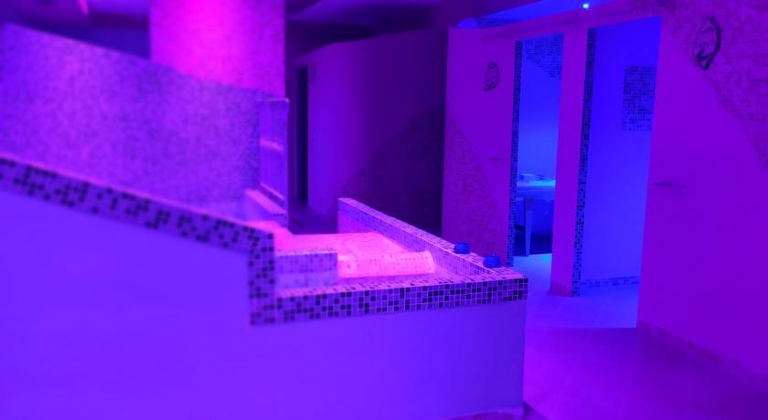 hotel-sul-mare-torcaldara-camere-con-vascaidromassaggio-centrobenessere-relax-hotel3stelle-lavinio