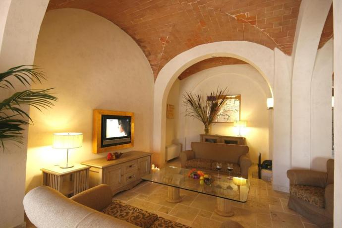 Hotel San Gimignano, giardino, piscina, parcheggio, wi-fi