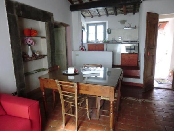 Soggiorno cucina appartamento Calenzano vicino Sesto Fiorentino