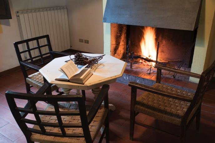 Appartamenti con Salotto e Camino in Umbria