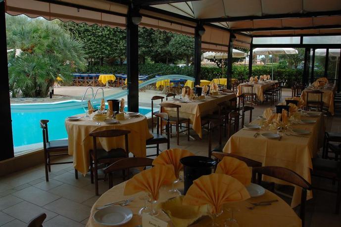 Hotel Silvi con ristorante e piscina, vista spiaggia