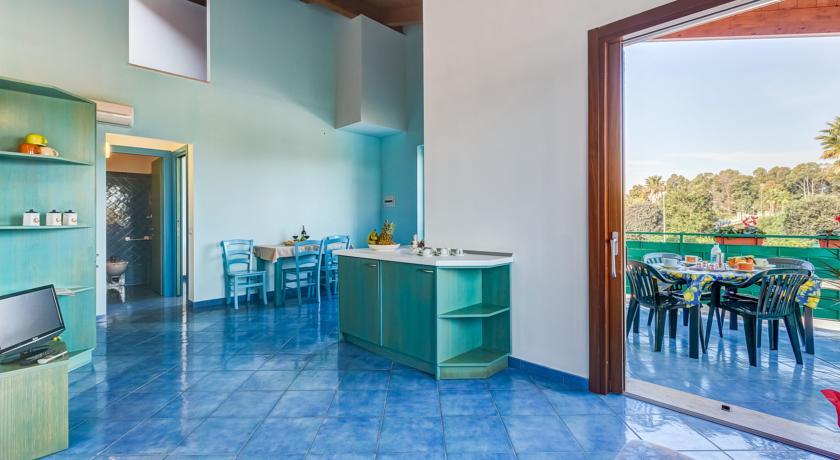 Appartamenti con Cucina e Terrazzo al Circeo