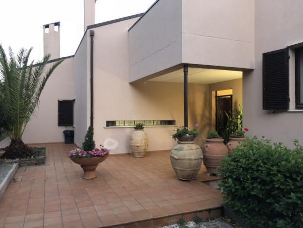 Bellissima Villa a Perugia con giardino recintato