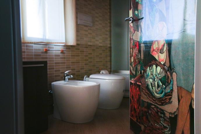 suite guttuso dettaglio bagno