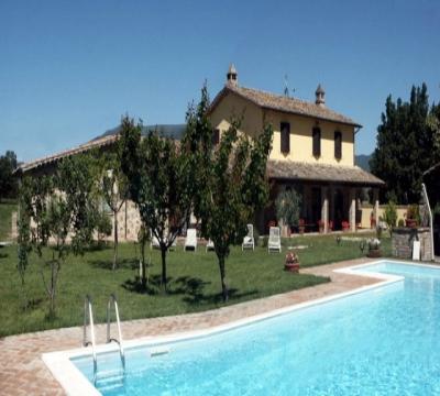 Villa con piscina ad Assisi