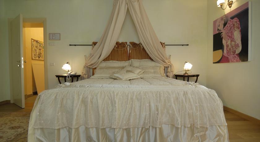 camera matrimoniale romantica hotel 4 stelle ravenna